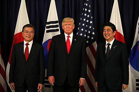 弱気漏らした文在寅大統領、G20から帰国し「韓国には力ない」