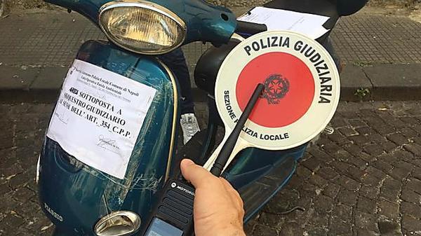 Ritrovato scooter scommessa di Balotelli - Cronaca