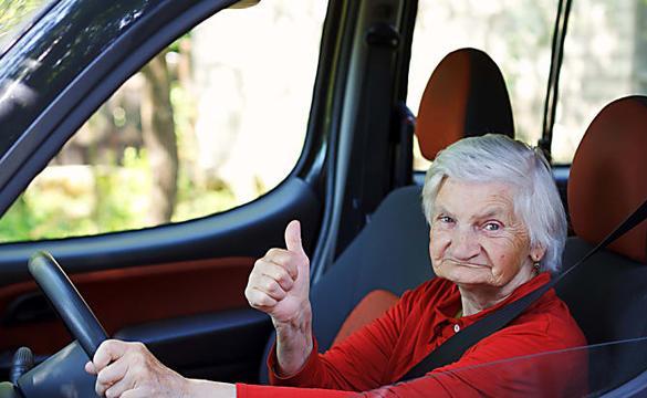 Assicurazione auto senior: il costo potrebbe sorprenderti