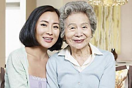高齢母とシングル娘「3LDKマンション」同居の理由