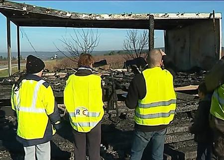 Gard : Leur cabane incendiée, les gilets jaunes lancent une collecte pour la reconstruire