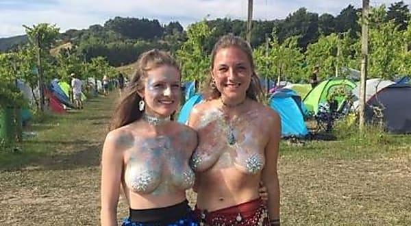 Mulher é assediada por homem em festival de música e revida com socos