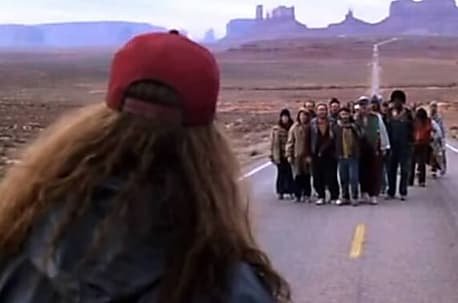 [Gallery] Most People Missed The Giant Blooper In This Iconic 'Forrest Gump' Scene