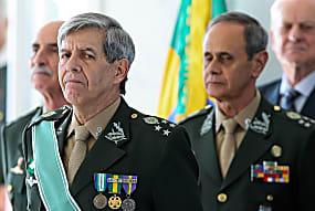 Aliados do general Heleno dizem que ele cogitou deixar campanha de Bolsonaro