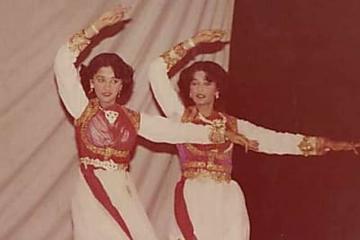 बहन के साथ स्टेज परफॉर्मेंस देते माधुरी दीक्षित ने शेयर की खूबसूरत तस्वीर, दोनों दिखती हैं एक जैसी