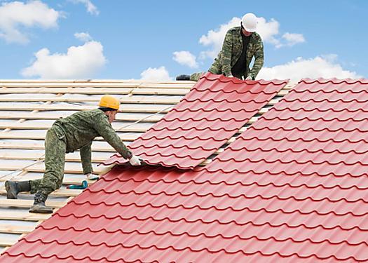התקרה והקירות מתקלפים? מחירי איטום גגות עשויים להפתיע אותך