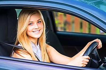 Atención Propietarios de Autos: Si Pagan Demasiado Por Seguro, Deberían Ver Estas Opciones