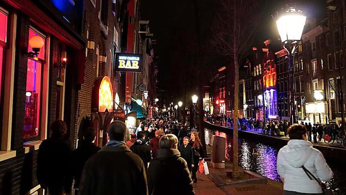 Amsterdam: il quartiere a luci rosse nel mirino - Re: sguardi sulla società - Guarda il documentario completo