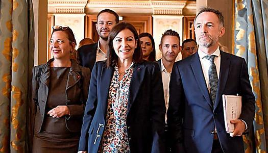 Combien touchent les élus et adjoints à la mairie de Paris ?