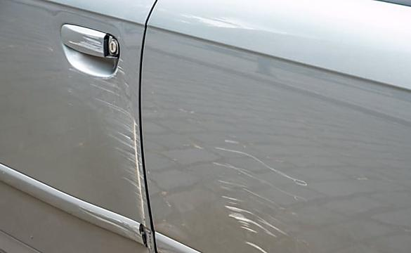 How to Easily Remove Scratches From Car Permanently