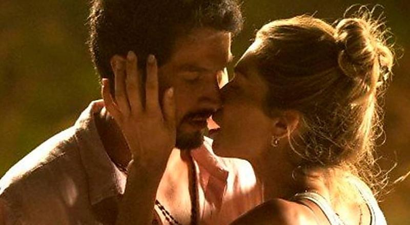 Em 'Bom sucesso', Paloma e Marcos têm primeira noite de amor